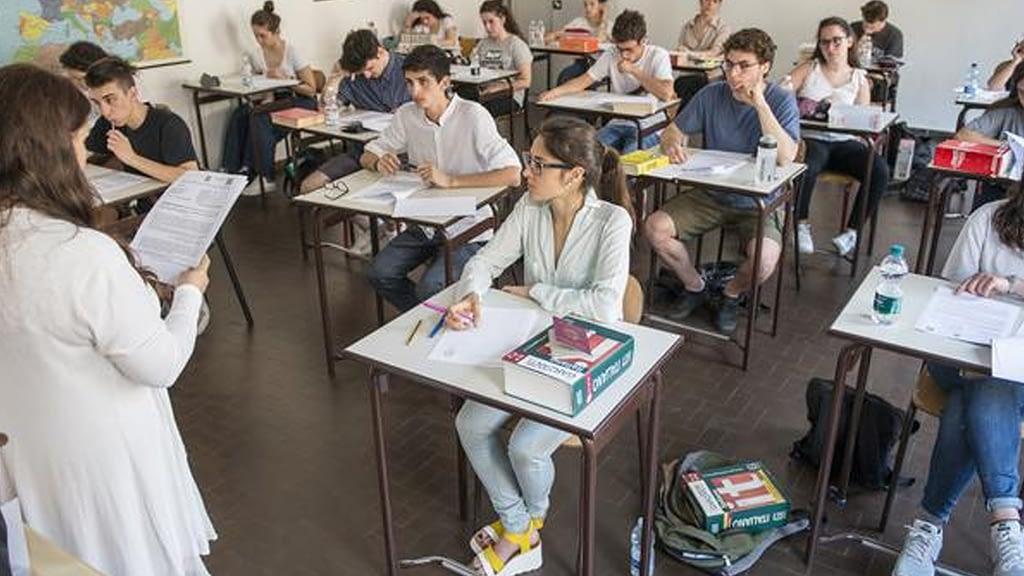 इटलीमा ६ महिना पछि विद्यालय खुले